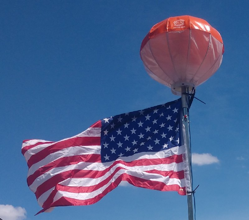 portable-lighting-solutions-light-atop-of-flag